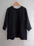 Le vestiaire de jeanne VDJ 3/4 sleeves blouse, round neck black linen 七分袖リネンブラウス