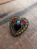 パリ蚤の市 クリニャンクールのデッドストックアクセサリー 黒ガラスハート手塗りボタン