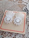 パリのアクセサリー 蚤の市 プラスチックイヤリング
