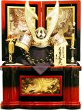 【五月人形】吉徳大光作 「立体大鍬形 着用兜」収納飾り(530-902)