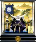 【五月人形】久月作 家紋「伊達政宗 兜」ガラスケース飾り(K517120)