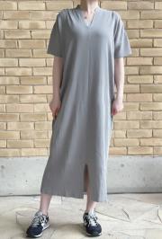 WEB限定 Vネック 裾スリット 半袖 ニットワンピース キャミソール付き