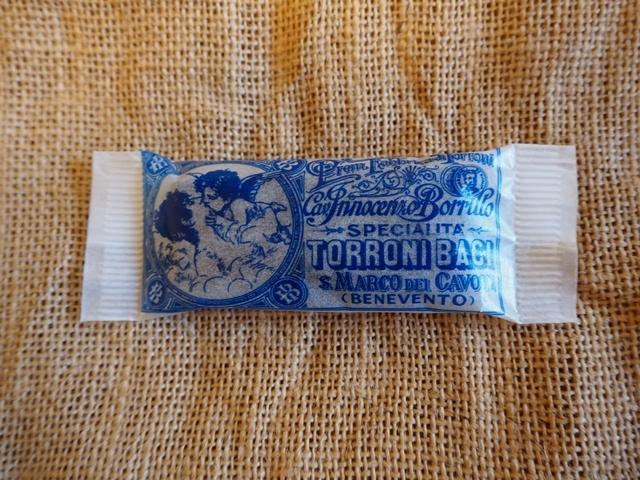 トローニバーチ/TORRONI BACI/イタリアの手作りチョコレートヌガー/単品/1袋