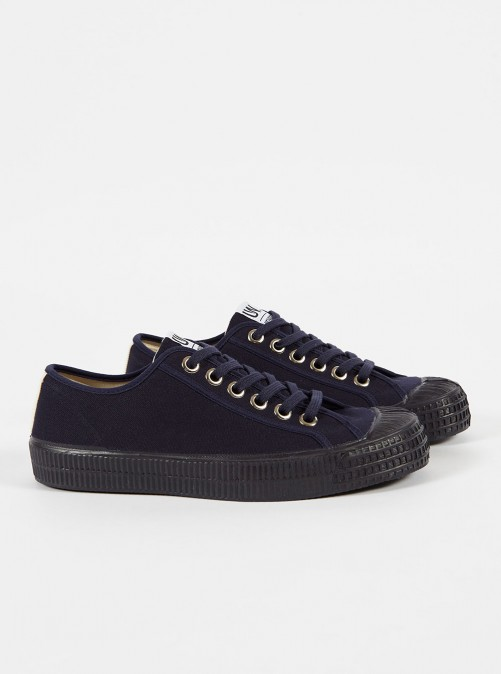 ユニバーサルワークス ノベスタ スニーカー Universal Works X Novesta Star Master In Navy Canvas