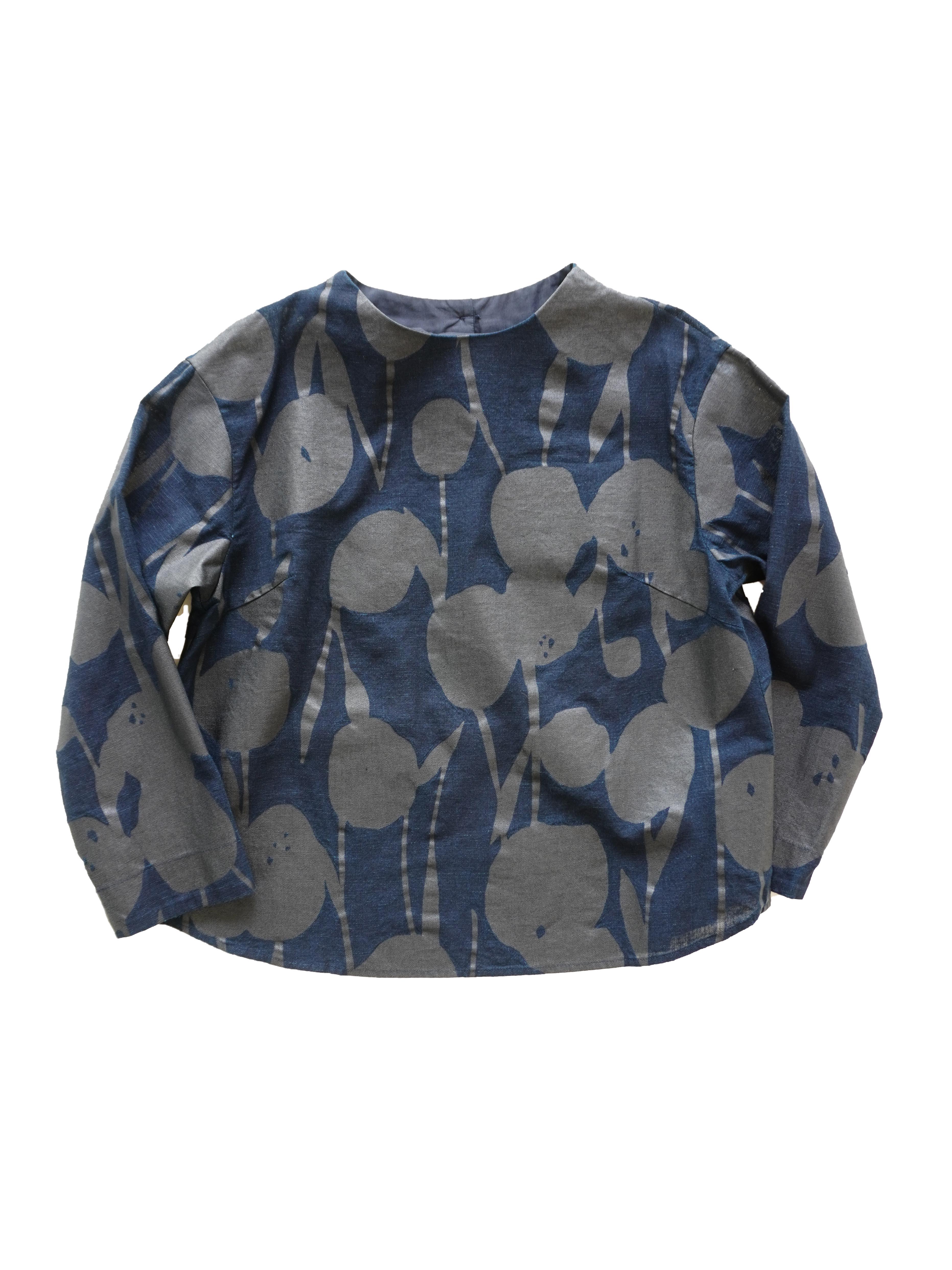 インディゴガーゼポンポン菊柄ボトル衿シャツ