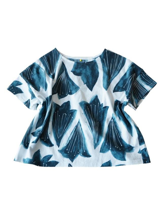 ラフィ天竺紺百合柄オーバーTシャツ