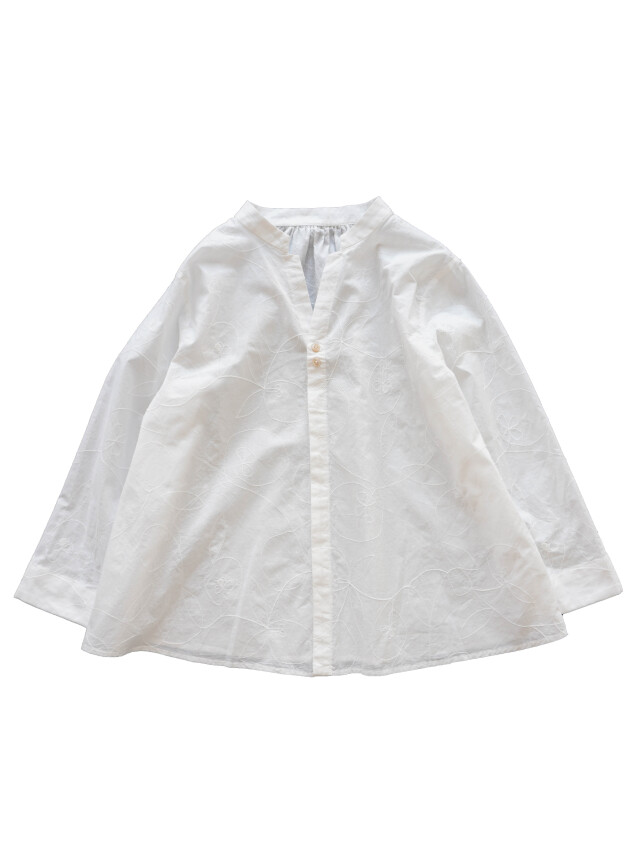 ローン山瑠璃草柄刺繍スタンド衿シャツ