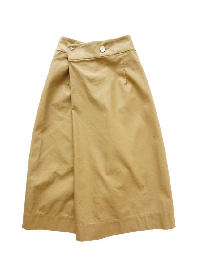 コーマバックウェポンラップ風スカート