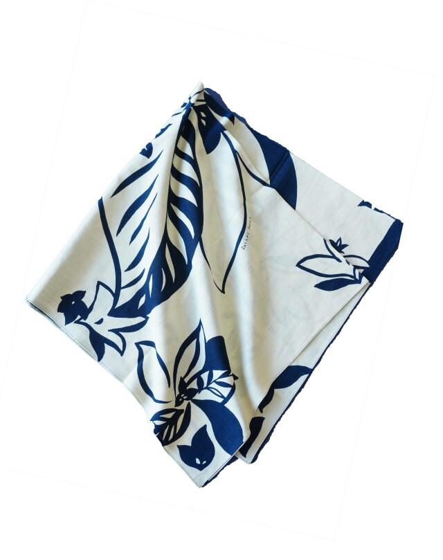 インディゴガーゼ藍の葉柄スカーフ