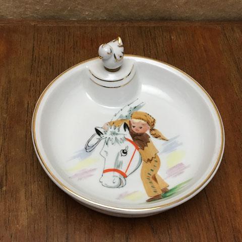 フランスブロカント ベビー用保温皿(少年と馬)