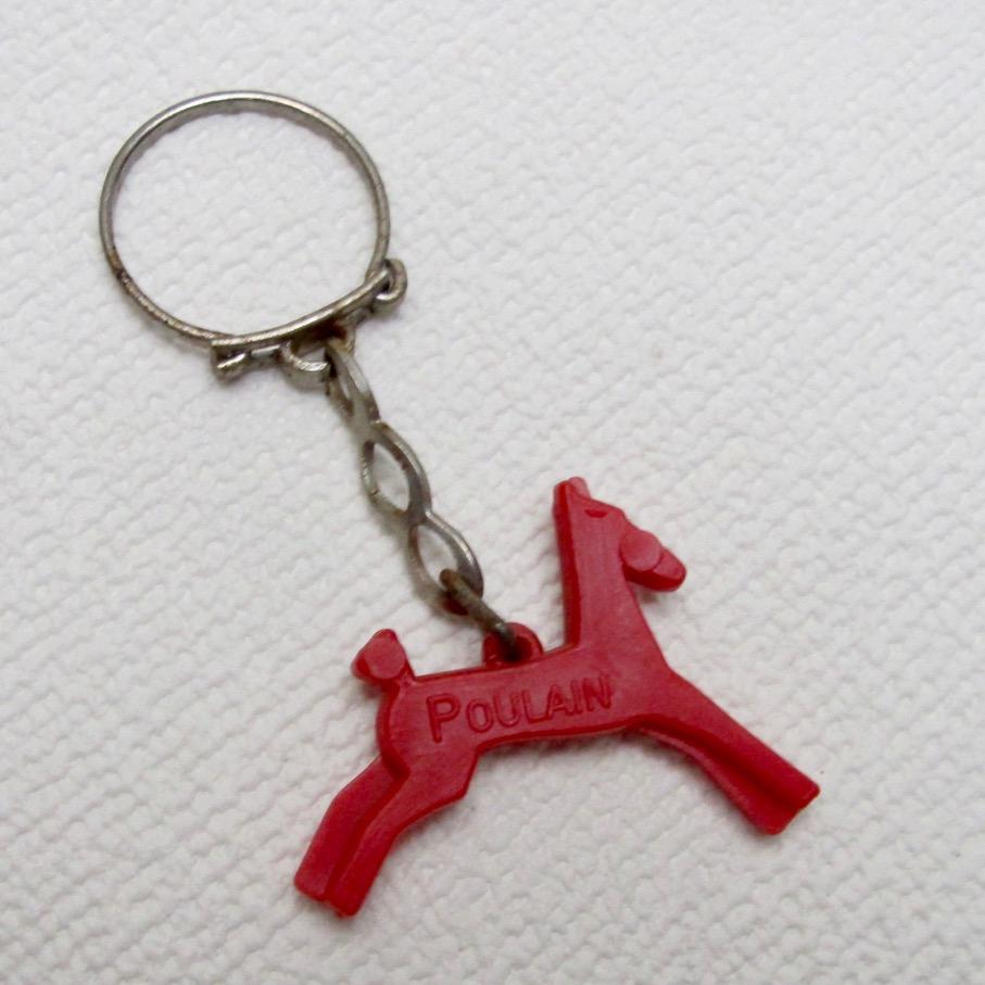 フランス キーホルダー 赤い馬
