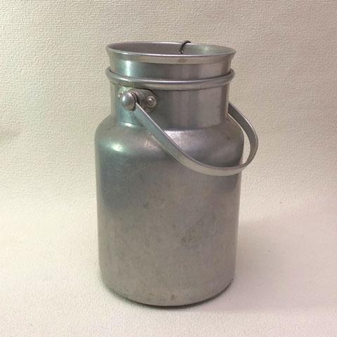 フランス ブロカント アルミ製 ミルク缶