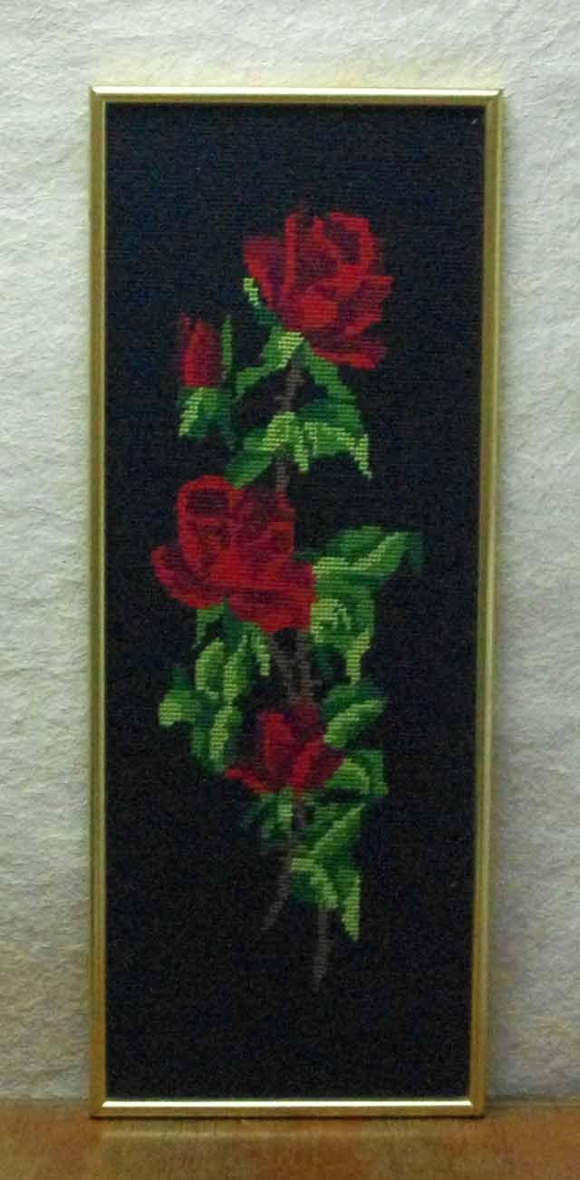 赤いバラ 刺繍 (クロスステッチ)額入り#1