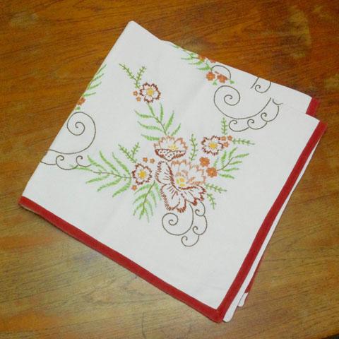 フランスブロカント  縁取り 付き刺繍 テーブルクロス (麻)