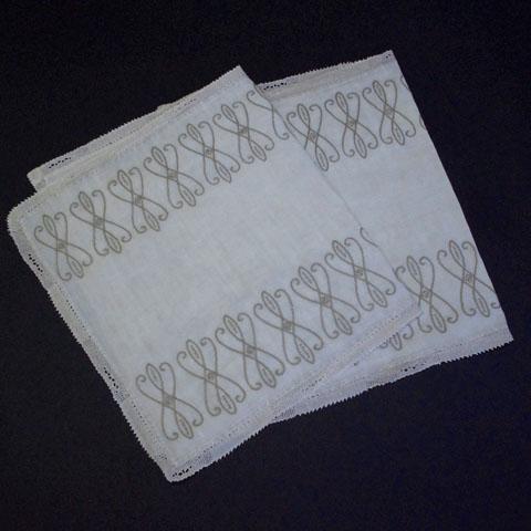 フランスブロカント  刺繍   長方形 テーブルセンター