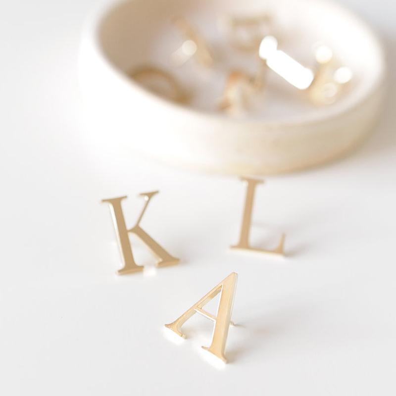 Lark & Ives/ピン/Pin Monogram Gold