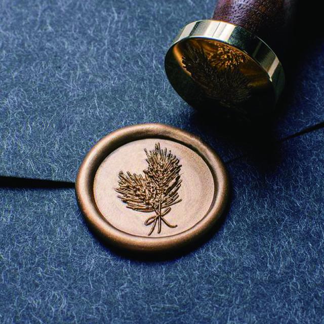 スタンプティチュード/シーリングスタンプ&ワックス/Pine Needle Wax Seal-Monarch(Walnut Handle)