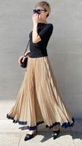 ランダム裾フレアプリーツスカート