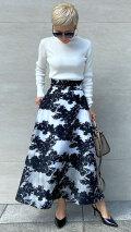 刺繍ラグジュアリーモノトーンスカート