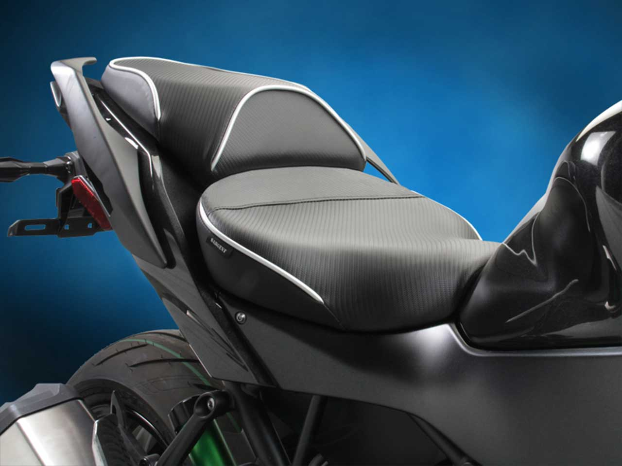 Sargent ワールドスポーツ パフォーマンスシート Kawasaki Ninja H2 SX / SX-SE / SX-SE+