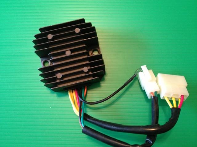 GT380 レギュレター