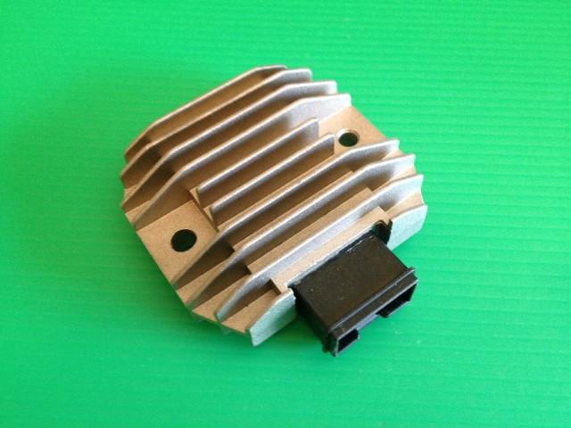 ホーネット250 熱パンク対策レギュレター