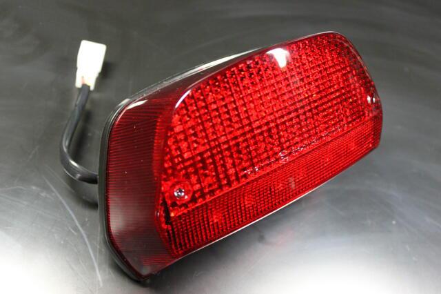 ゼファー400χ LEDテールランプ(レッド)