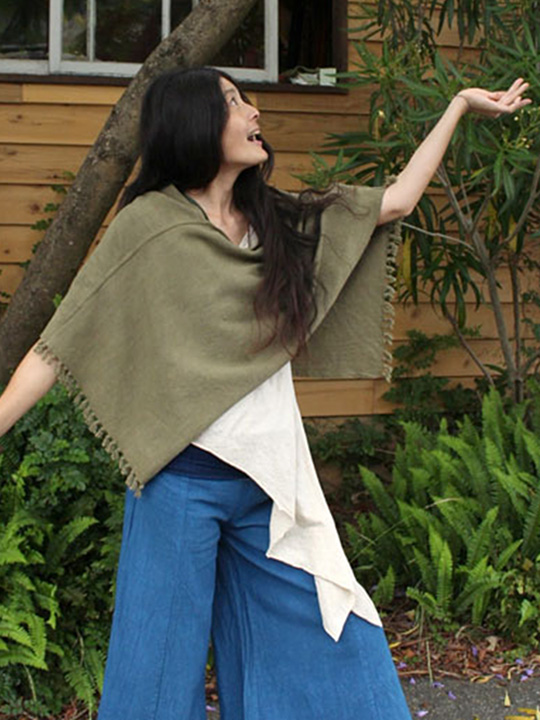 asana 手織りHEMPポンチョ・草木染め