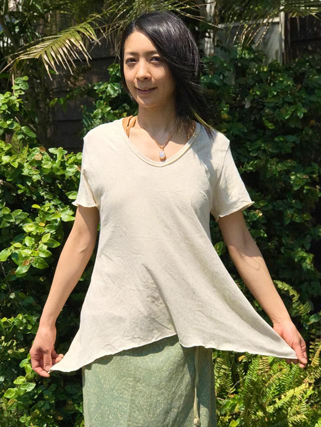 asana Vネック Tシャツ・きなり