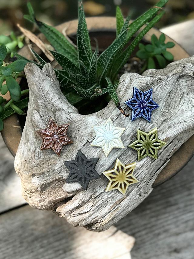 wacca 陶器の麻の葉 バッジ