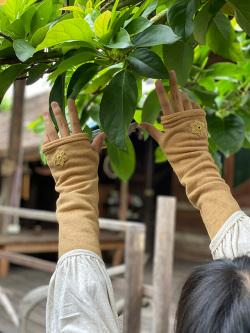 asana ヘンプコットン ふかふか アームウォーマー・HEMP糸 かぎ編み 刺繍付き