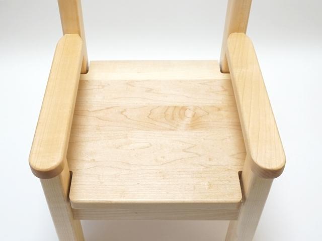 ひじ付椅子メープル