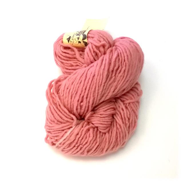 【982-L】草木染毛糸単撚り(50g巻き)ピンク2/製造中止/在庫限り /576番