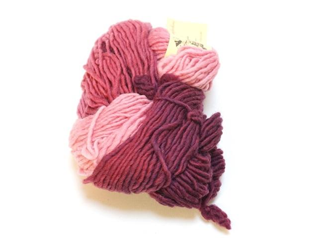 【470-F】レインボー草木染め毛糸(50g紫のコントラスト)
