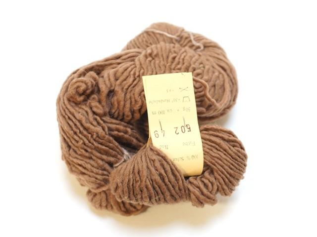 【129-B7】草木染毛糸単撚り(50g巻き)ブラウン/製造中止/在庫限り/502番