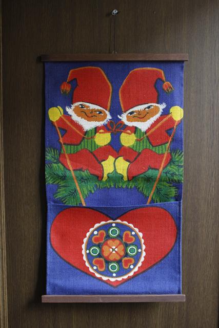 【クリスマス】北欧ヴィンテージ/ポストカード入れ壁掛け/双子のニッセ