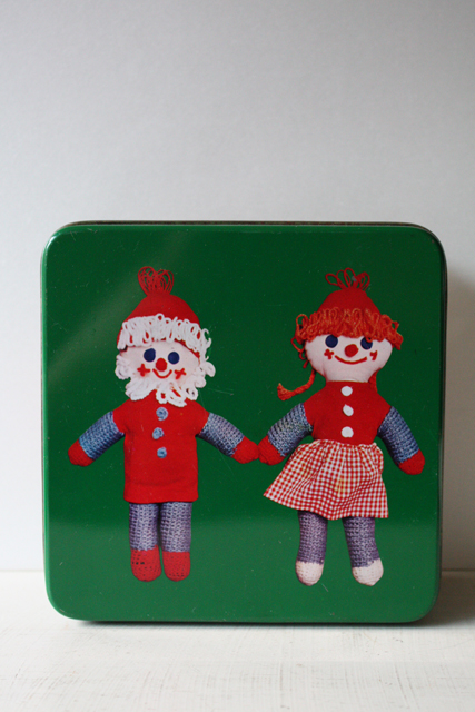 【クリスマス】北欧ヴィンテージ缶/サンタと女の子