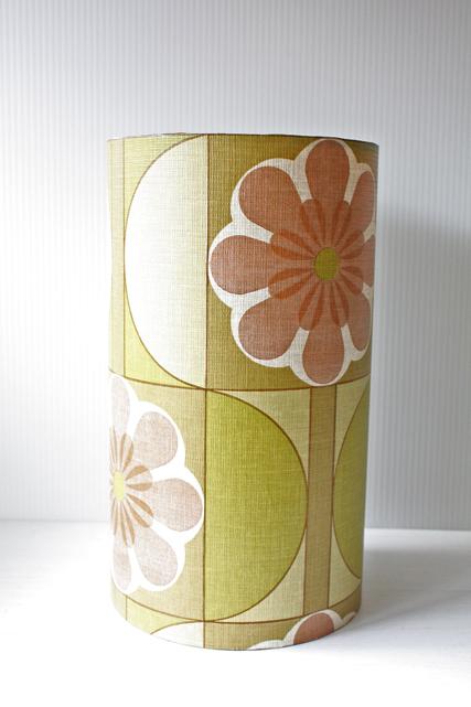 北欧照明/ランプシェード/ヴィンテージ壁紙/グリーンのお花