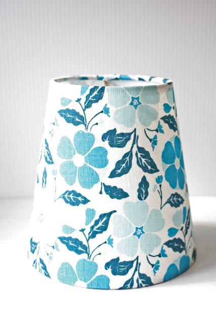 北欧照明/ランプシェード/ブルーのお花
