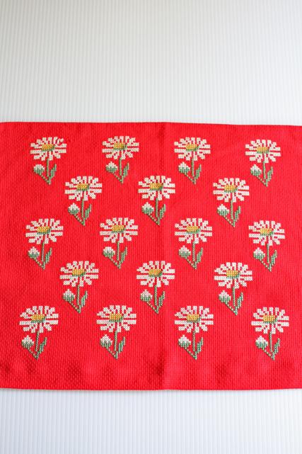 北欧刺繍/ヴィンテージテーブルクッションカバー/マーガレット/SOLD OUT