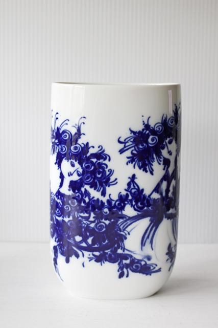 北欧ヴィンテージ/Bjorn Wiinblad(ヴョルン・ウィンブラッド)/オーバル型花瓶/バラと2人の女性