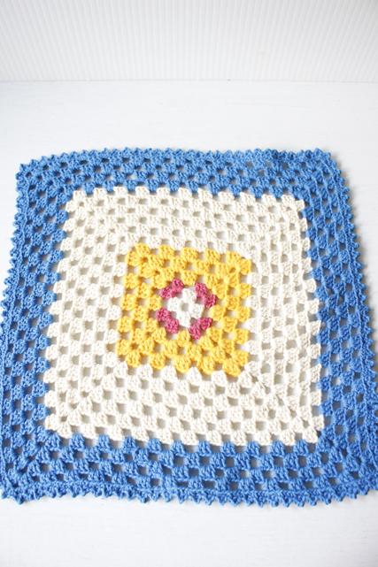 北欧ヴィンテージ/手編みのドイリー/マルチカラー