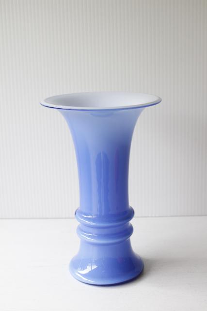 北欧ヴィンテージ/Holmegaard/ミルクガラスの花瓶/コバルトブルー×ホワイト
