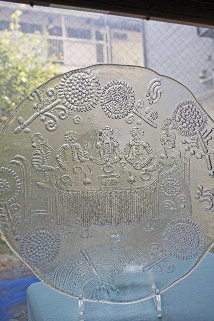 北欧ヴィンテージ/KOSTA BODA(コスタボダ)/ガラスのプレート/貴族の晩餐