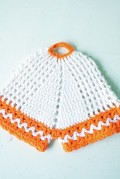 手編みのポットホルダー
