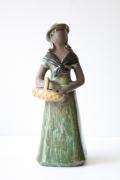 北欧ヴィンテージ/フラワーガール花瓶/バスケットを持つ女性