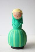 北欧ヴィンテージ/スウェーデン/木製のお人形/緑の女の子