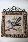 北欧ヴィンテージ/ツヴィスト刺繍/小鳥のタペストリー