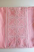 北欧刺繍/ヴィンテージテーブルセンター/ピンク&ホワイト