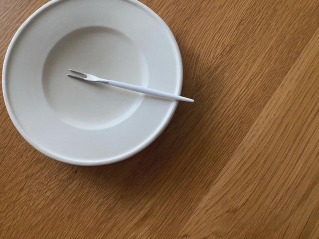 Cutipol クチポール GOAホワイト×シルバー  フルーツ(スネイル)フォーク